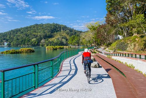 Harry_35423b,視嗅覺的雙重饗宴在竹山下坪單車路線上演,后豐鐵馬道,環潭步道,騎完腳踏車後,沒有跑遠,水庫…   Flickr