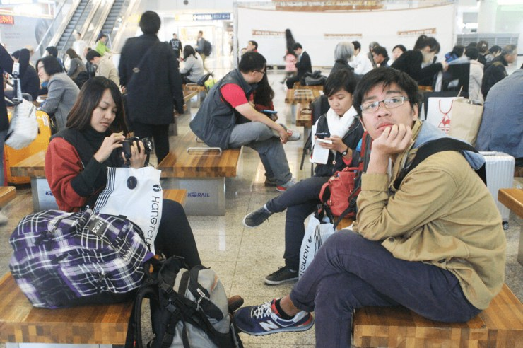 while waiting for our busan to seoul train schedule