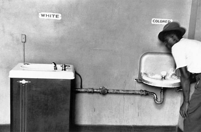 Racismo y desigualdad | © Elliot Erwitt