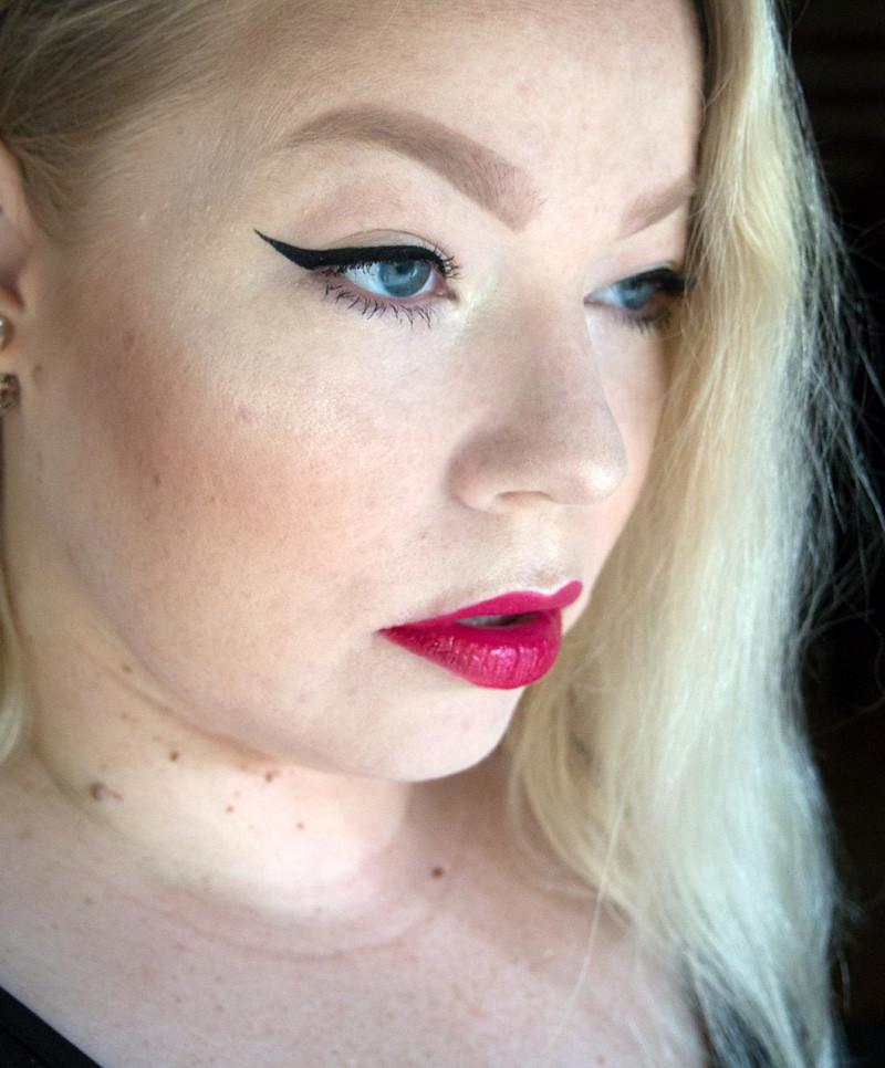 Avon Mark meikki makeup