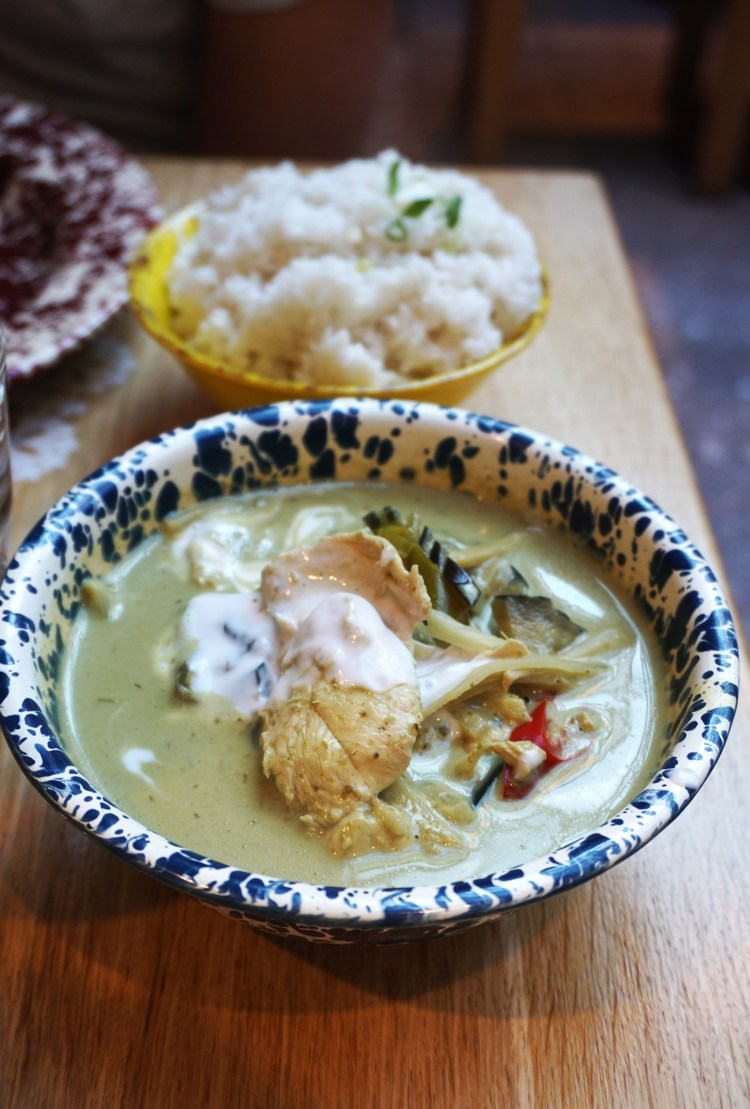 Thai green curry and coconut rice from Rosa's Thai Cafe in Islington | gluten free Rosa's Thai Cafe