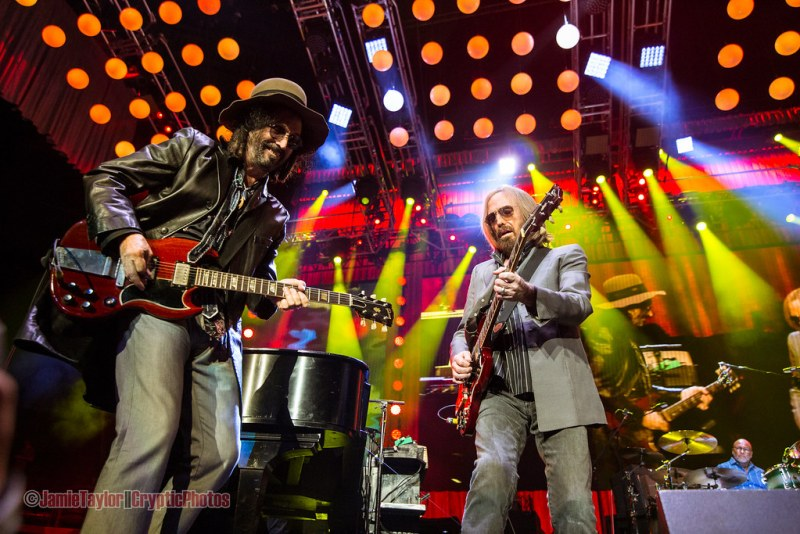 Mike Campbell and Tom Petty at Rogers Arena in Vancouver, BC on August 17th 2017