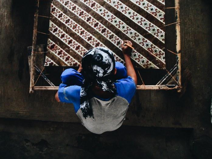 Mewarnai Batik Pakidulan