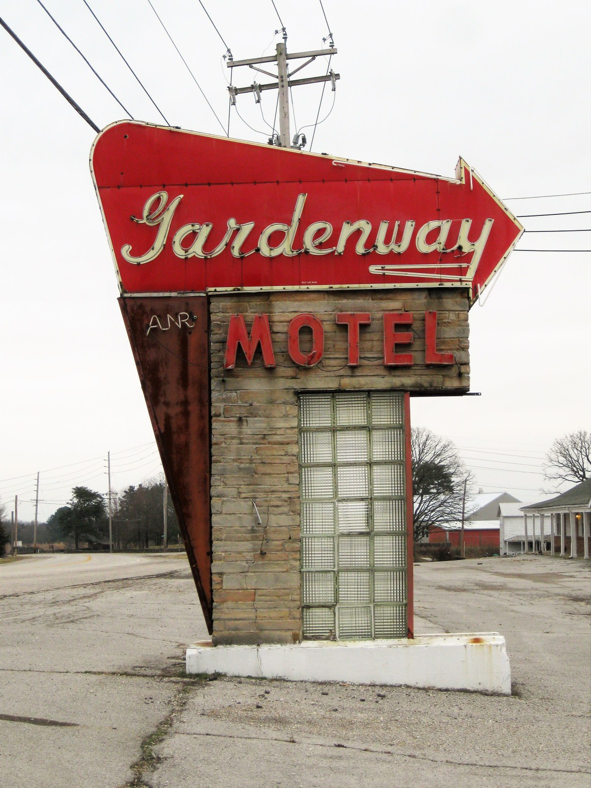 Gardenway Motel - 2958 Missouri Route 100, Villa Ridge, Missouri U.S.A. - January 22, 2017
