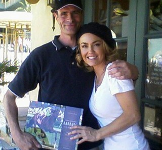 Former Exercise Rider, Alex Brown with a Fan | Equus Education