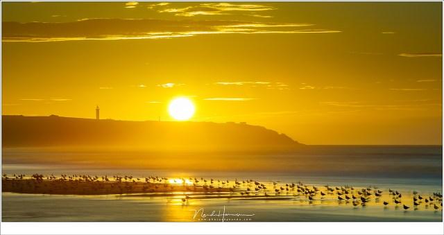 Gouden zonsondergang boven Cap Gris Nez. (EF70-200L II @ 200mm | ISO50 | f/16 | 15sec | Haida 15stop grijsfilter)