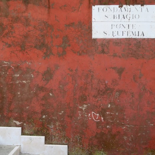 Red wall, Venice