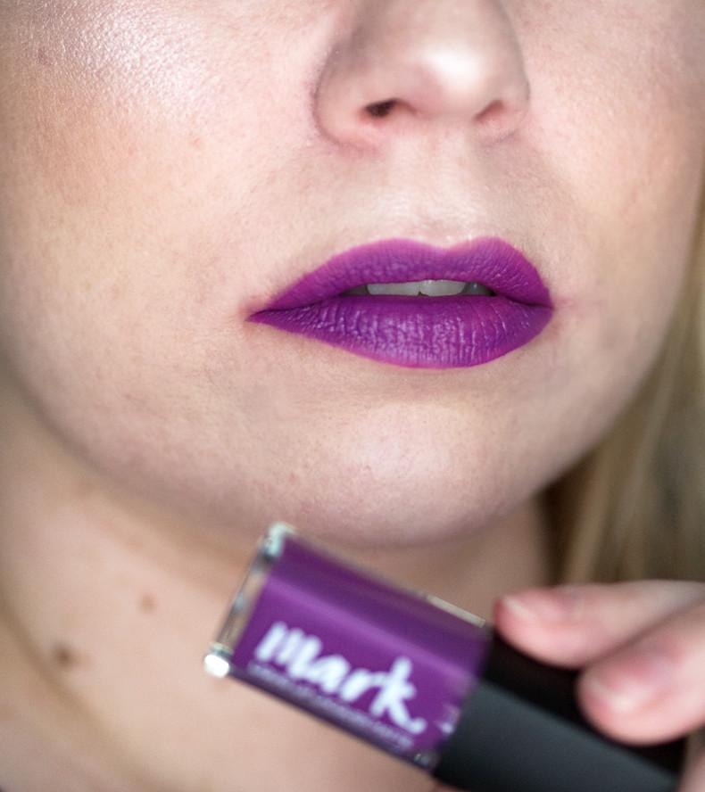 avon mark liquid lip lacquer fabulosity