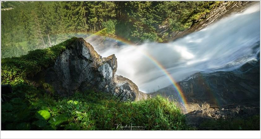 Een dubbele regenboog bij de Krimmler Wasserfälle in Oostenrijk, een plek waar altijd wel een regenboog te zien is door de vele waterdruppels in de lucht. (Sony A9 + FE16-35 @ 17mm | ISO50 | f/18 | 1/10 )