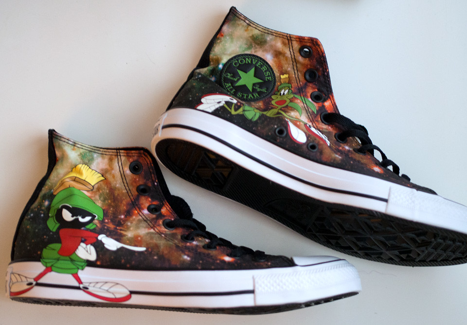 converse looney tunes marvin