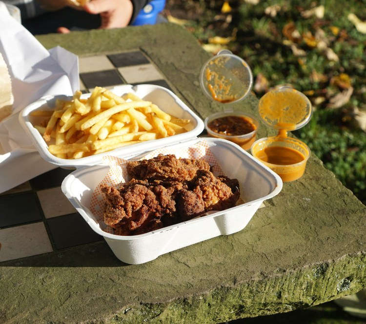 Gluten free fried chicken and chips + coconut jerk and katsu curry sauces from Bird | London gluten free chicken and chips guide