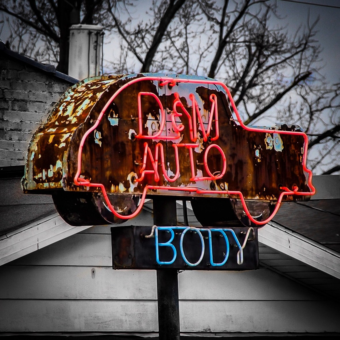 D and M Auto Body - Dover, Ohio U.S.A. - January 11, 2018