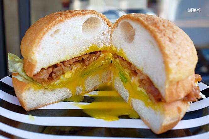 38694310350 41a01a06a7 b - 翻白眼女孩 炭烤三明治   讓你飽到不要不要,都說是招牌了,還不點