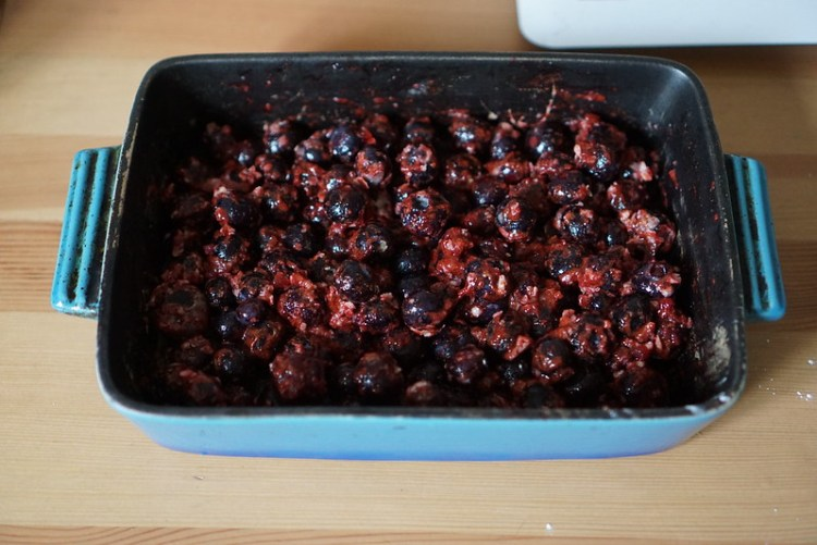 Gluten free blueberry cobbler making process | the filling