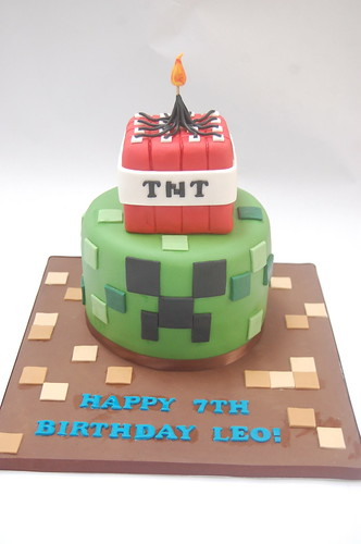 Minecraft Tnt And Creeper Cake Beautiful Birthday Cakes