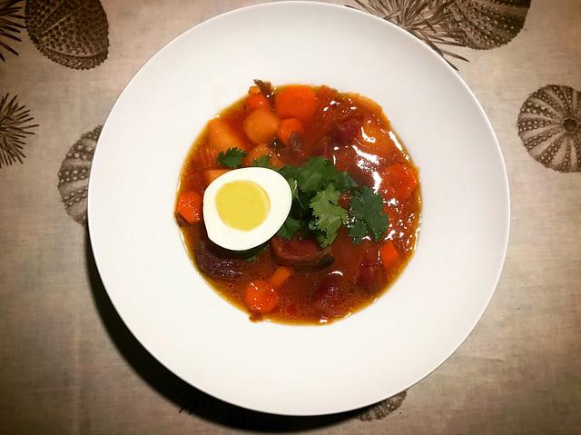 Borsch la sopa púrpura venida del Este