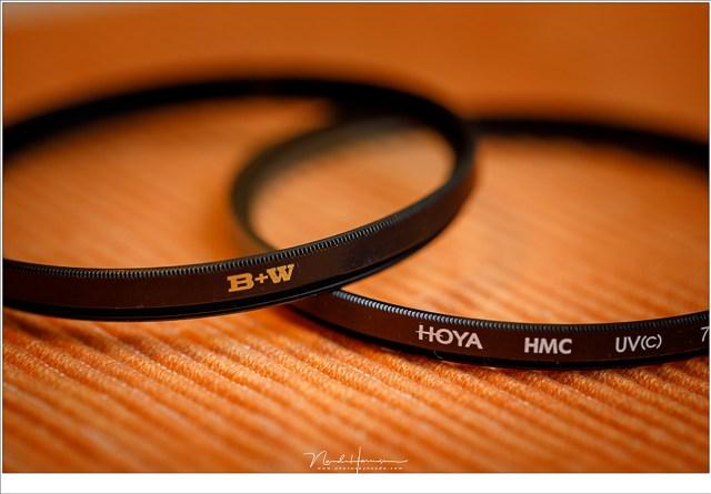 Een B+W en een Hoya UV filter. Kies voor een goede kwaliteit wanneer je er gebruik van wilt maken.