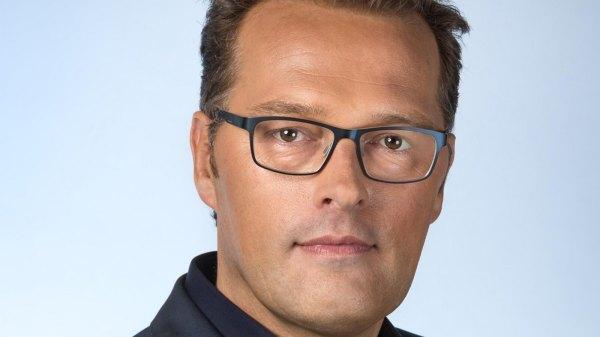 Jeroen Latijnhouwers houdt het nieuws scherp in de gaten