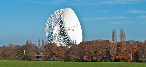 cheshire icon | 2 views of the iconic radio telescope at ...
