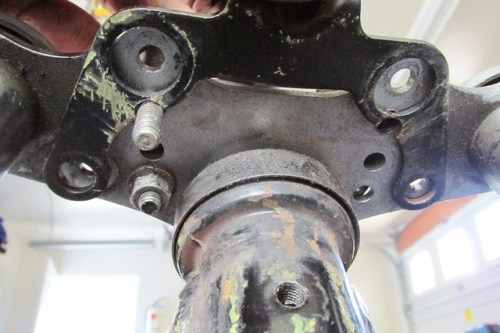 Instrument Bracket Location on Bottom of Top Plate When Handlebars Are In Forward Holes