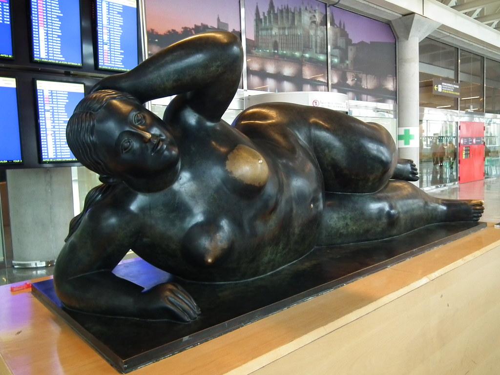 Escultura Botero en aeropuerto de Palma de Mallorca 28