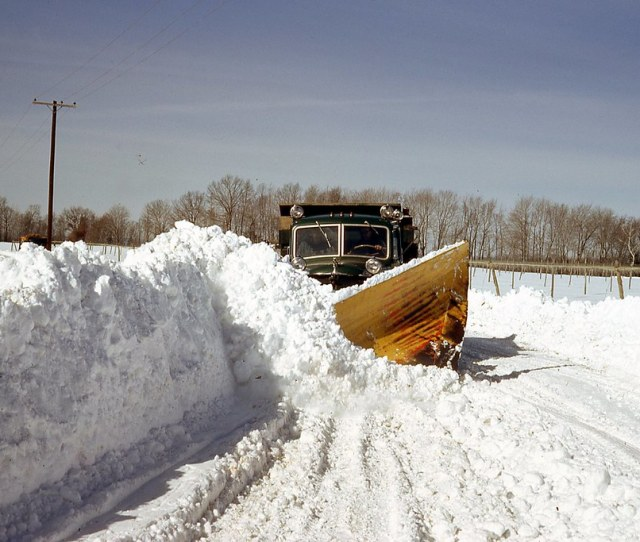 V Shaped Plow Truck Plowing Heavy Snow Vwdriver