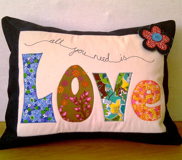 Applique Cushions Class Samples