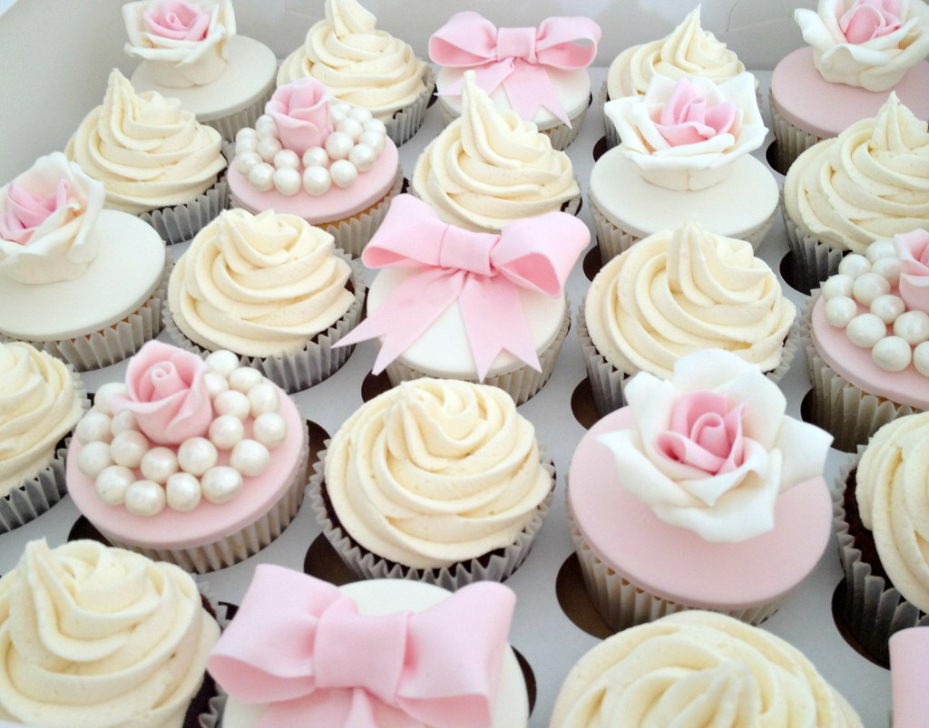 Vintage Pale Pink Wedding Cupcakes   A mixture of wedding cu      Flickr     Vintage Pale Pink Wedding Cupcakes   by Heavenly Cupcakes