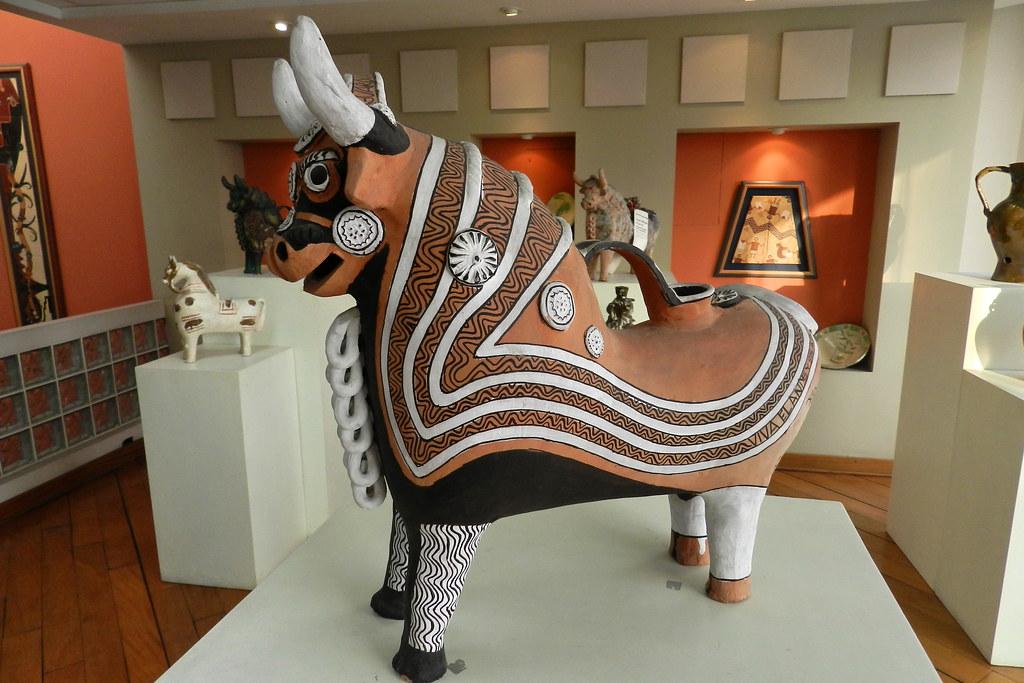 Lima torito de pucara o pukara Exposicion Centro Cultural Raices Peru 09