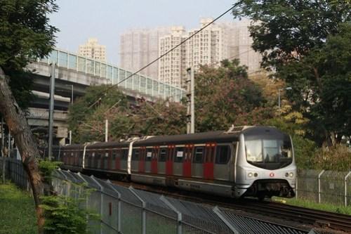 Set 114 soundbound under the freeway viaducts at Tung Lo Wan