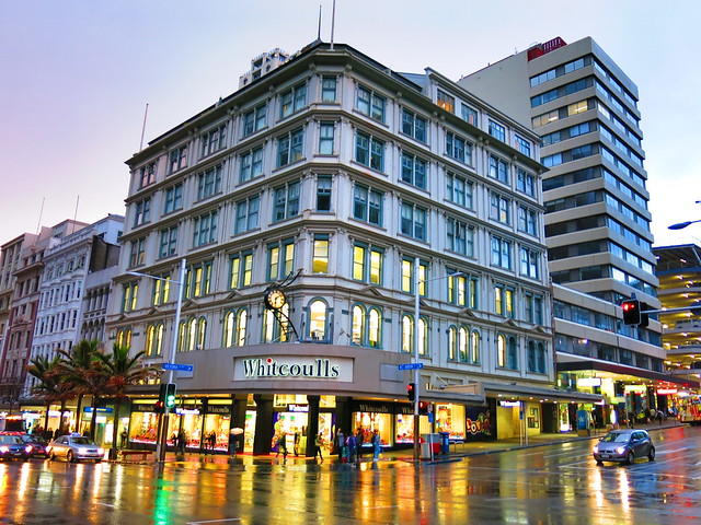 Queen St. Whitcoulls