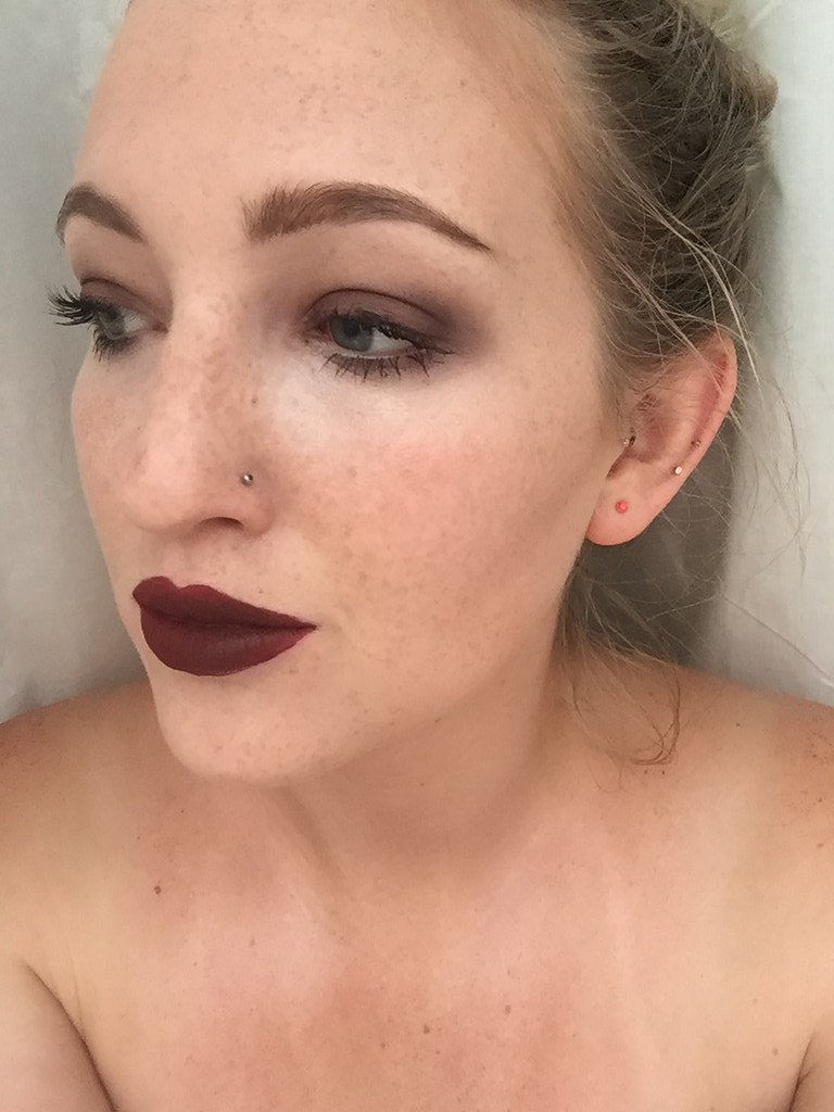 Sleek Matte Me Old Hollywood Review