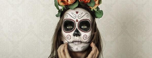 クラシックな死者の日のメイクの女性