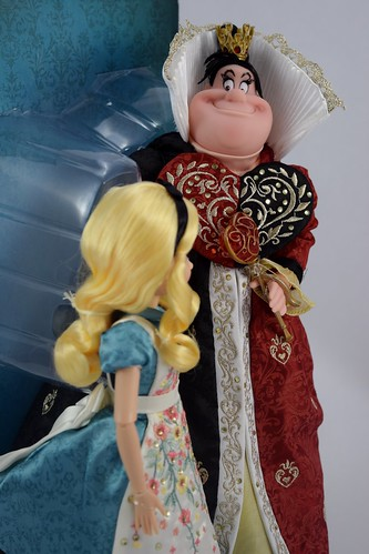 Alice and the Queen of Hearts Doll Set - Disney Fairytale ...