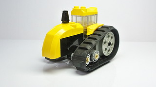 How to Build the Tracked Tractor (MOC)