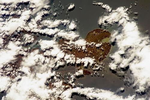 Terres françaises lointaines vues de l'espace