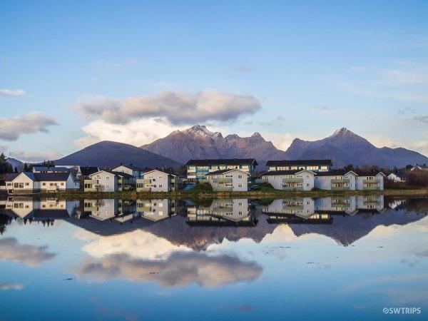 Lake Haldsvagen - Lofoten, Norway.jpg