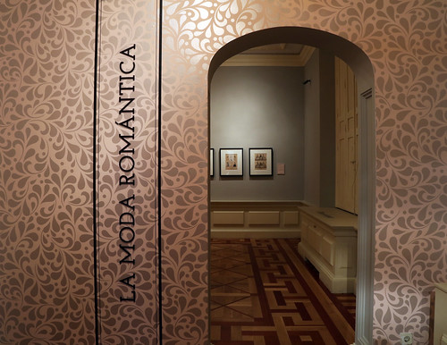 "Exposición temporal ""La moda romántica"""