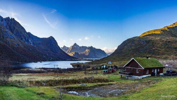 Lake Storvatnet - Lofoten, Norway.jpg
