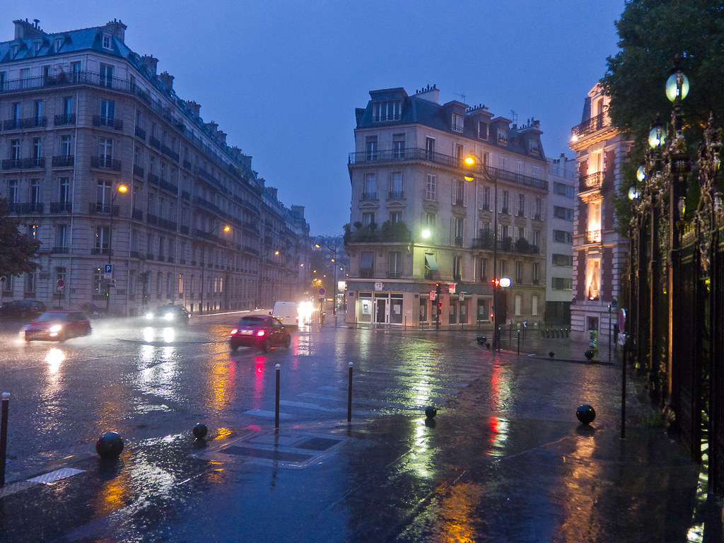 Paris In The Pouring Rain Torrential Pouring Rain In