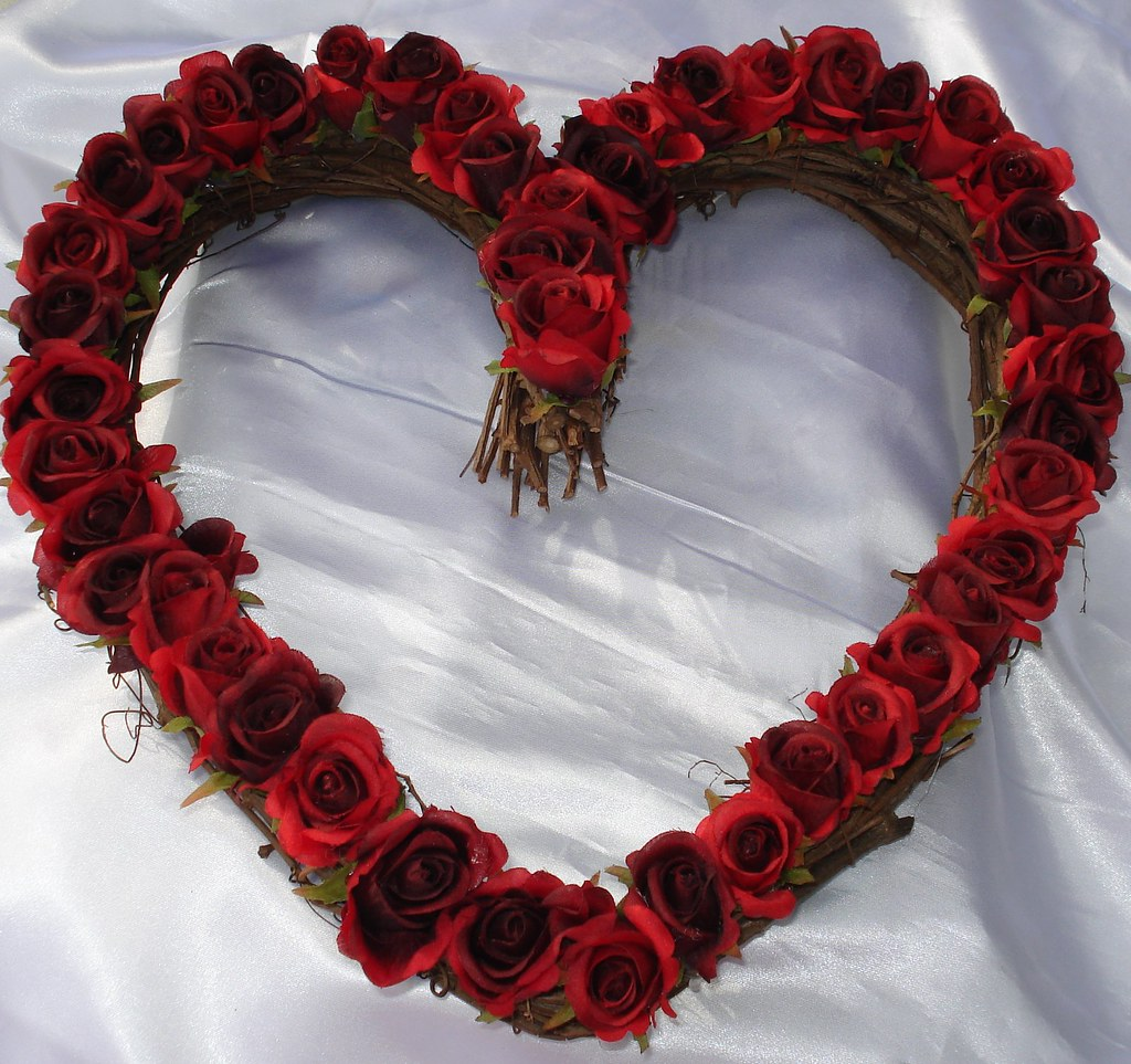 Red Rose Heart Wreath Lovely Red Rose Heart Wreath For