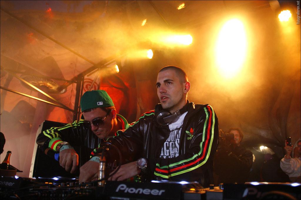 Dimitri Vegas Amp Like Mike Tomorrowland 2011 Saturday