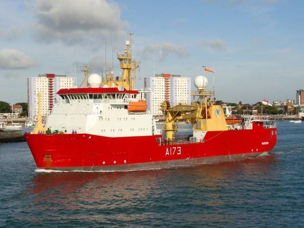 Resultado de imagen para HMS Protector