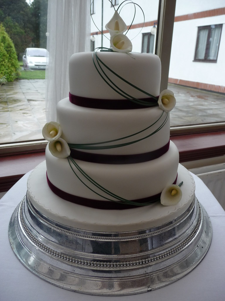 Calla Lily Wedding Cake   Wedding Cake for a lovely couple L      Flickr     Calla Lily Wedding Cake   by DaisyJack Cakes  Anne Hepworth Smith