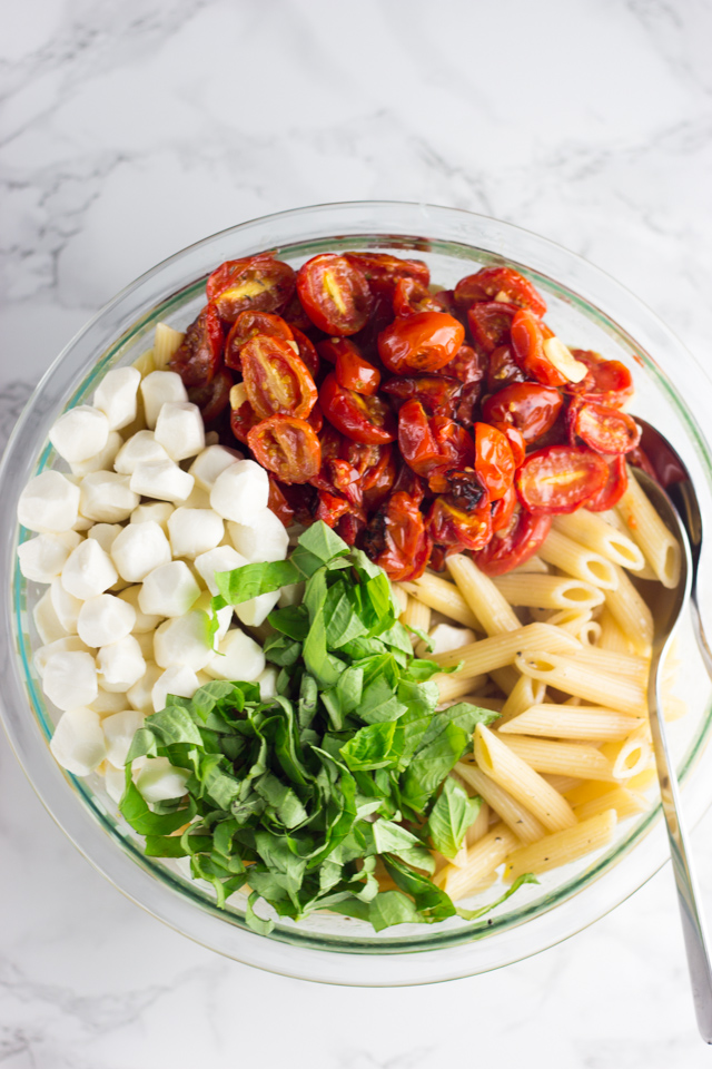 Roasted Tomato Caprese Pasta Salad Recipe