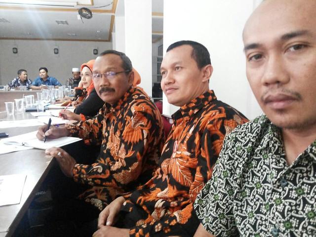 Komisioner KPU Kab.Tulungagung bersama Peserta Workshop dari KPU Kab/Kota se-Jatim(28/5)