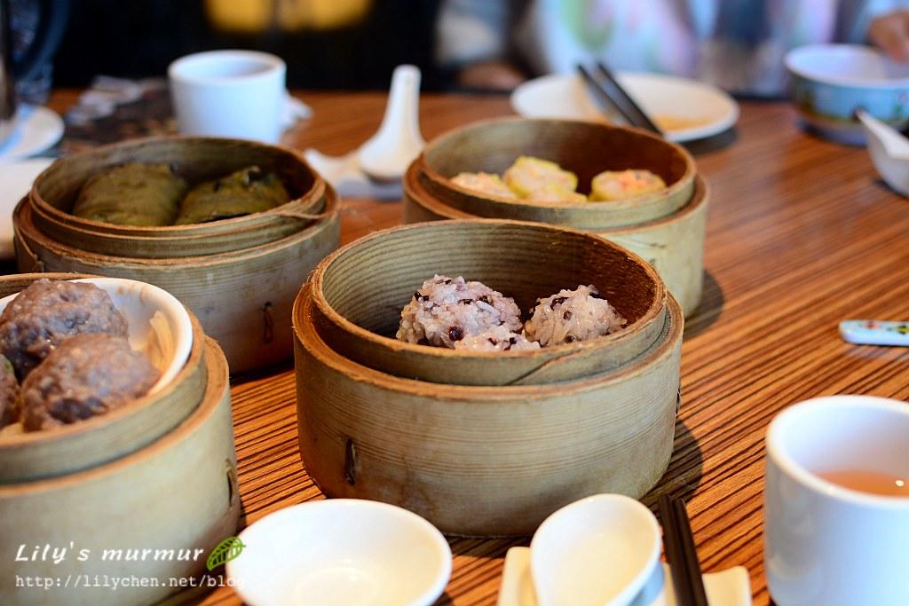 在大立百貨的華漾大飯店吃港點,口味不錯,全家都喜歡。