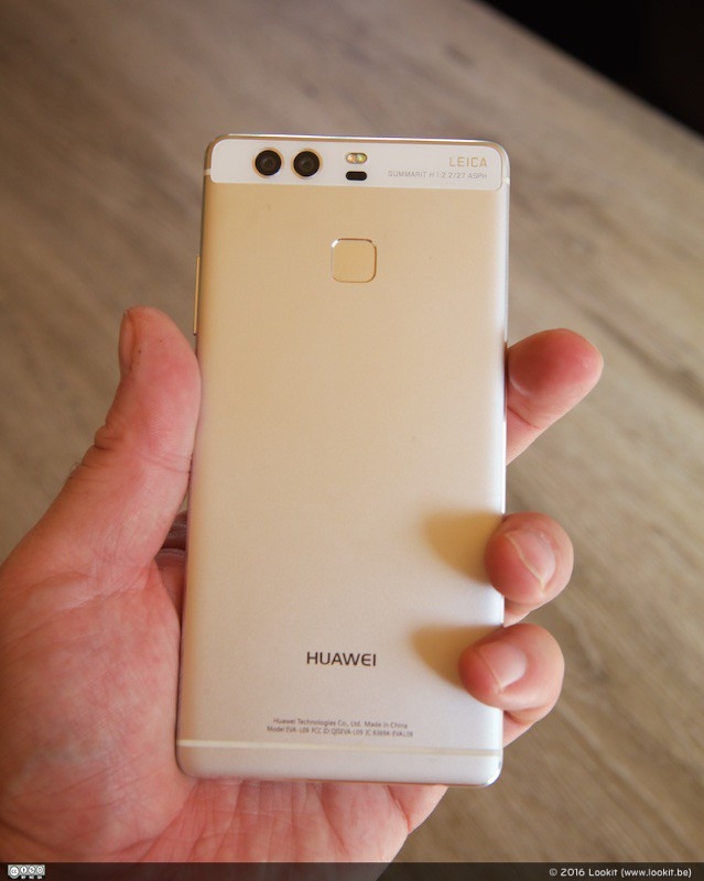 Ook de Huawei P9 heeft de fingerprint sensor achteraan het toestel zitten.
