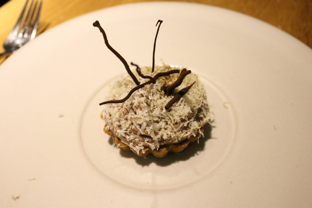 Chestnut tart, white chocolate and balsamic