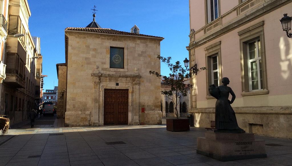 Escultura Monumento a La Aguadora de Luis Alonso Muñoz Palencia 01